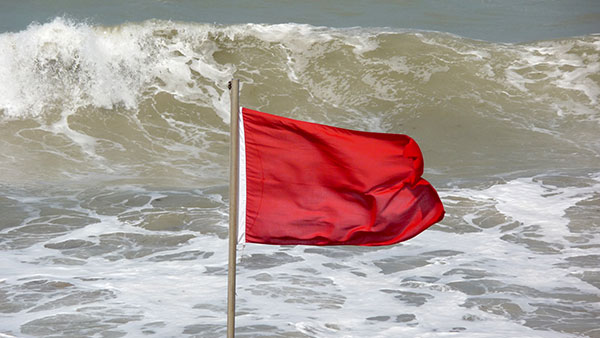 Red flag - no swimming!